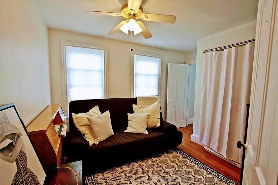 sitting room (bedroom)