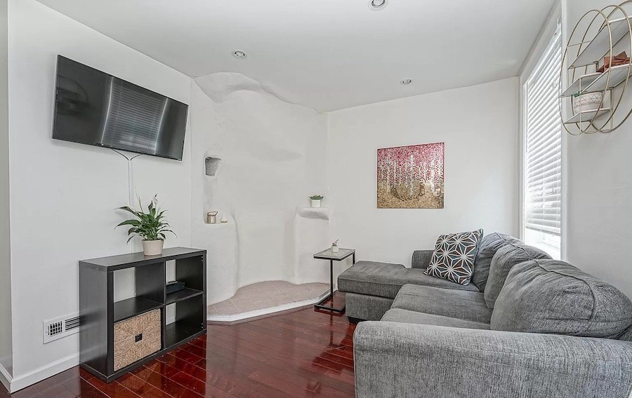 house for sale queen village courtyard trinity living room