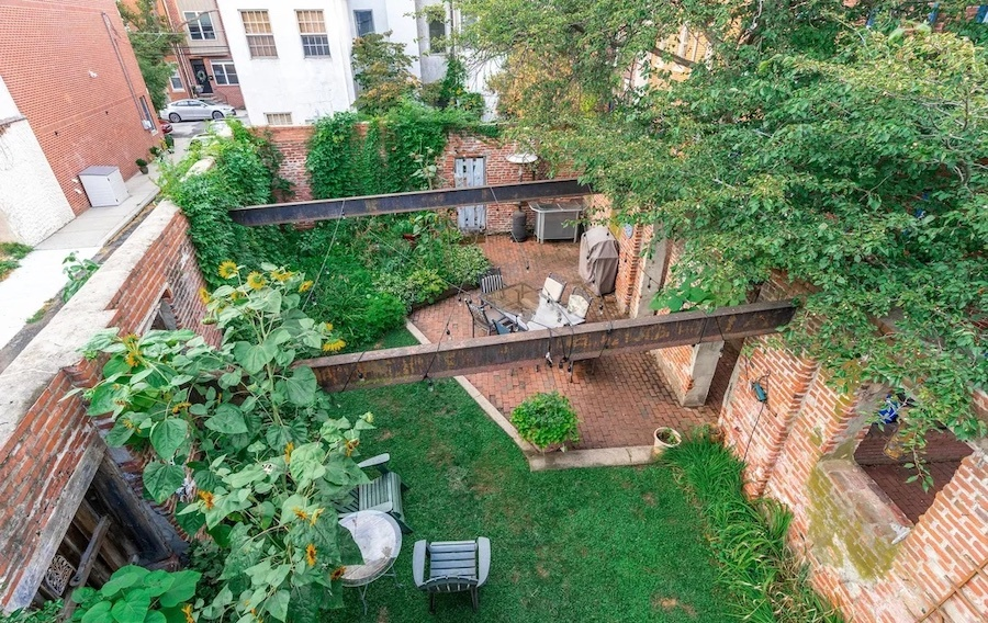 view of courtyard from deck