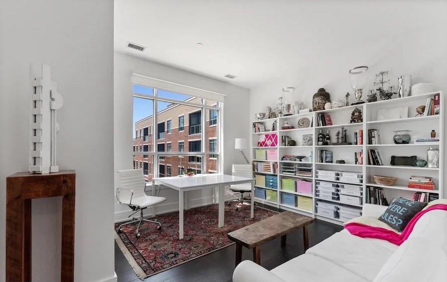 study (guest bedroom)