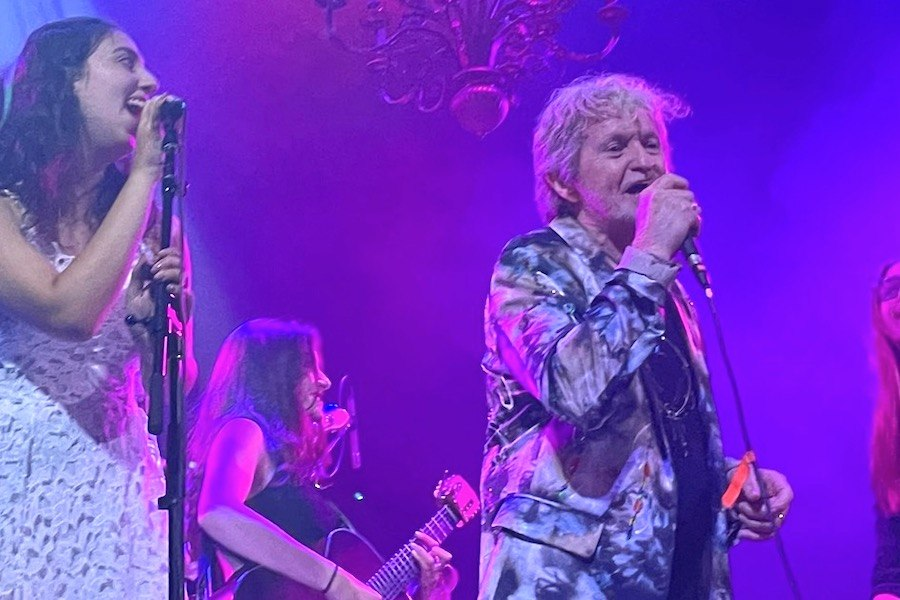 students from paul green rock academy on the jon anderson tour with the yes lead singer