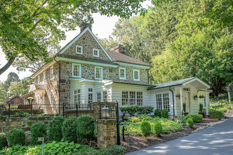 house for sale chester springs colonial manor exterior front