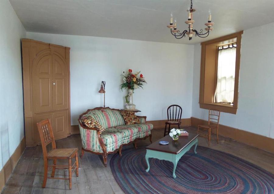 entertainment room, 1775 wing