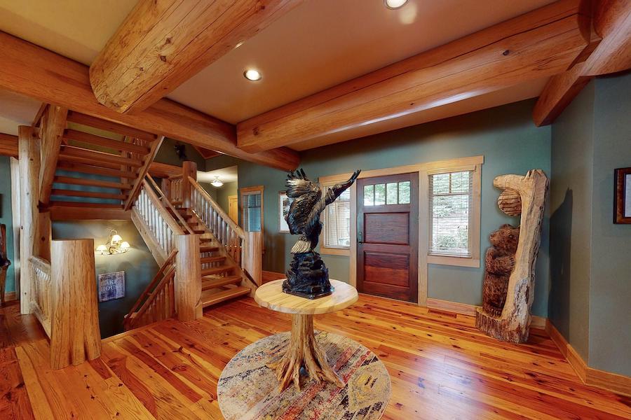 house for sale lake wallenpaupack log house foyer