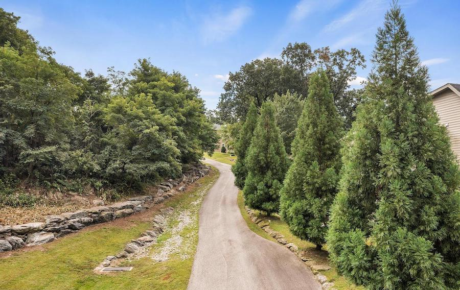 house for sale roxborough park norman house driveway from paoli avenue